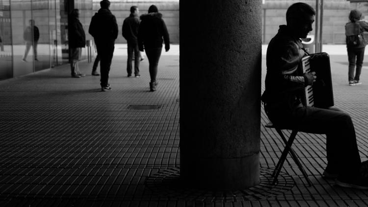 Street musician Cologne, Nov. 2 - thanospal | ello