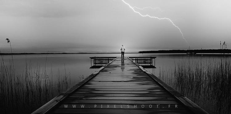 Le Moutchic  - lake, storm, bew - pixelshoot | ello