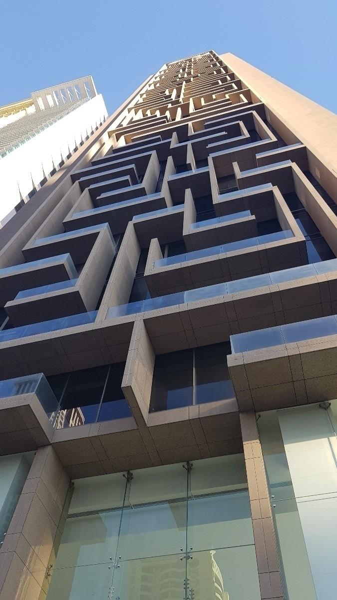 maze building, Dubai. Building  - ivanaorbis | ello