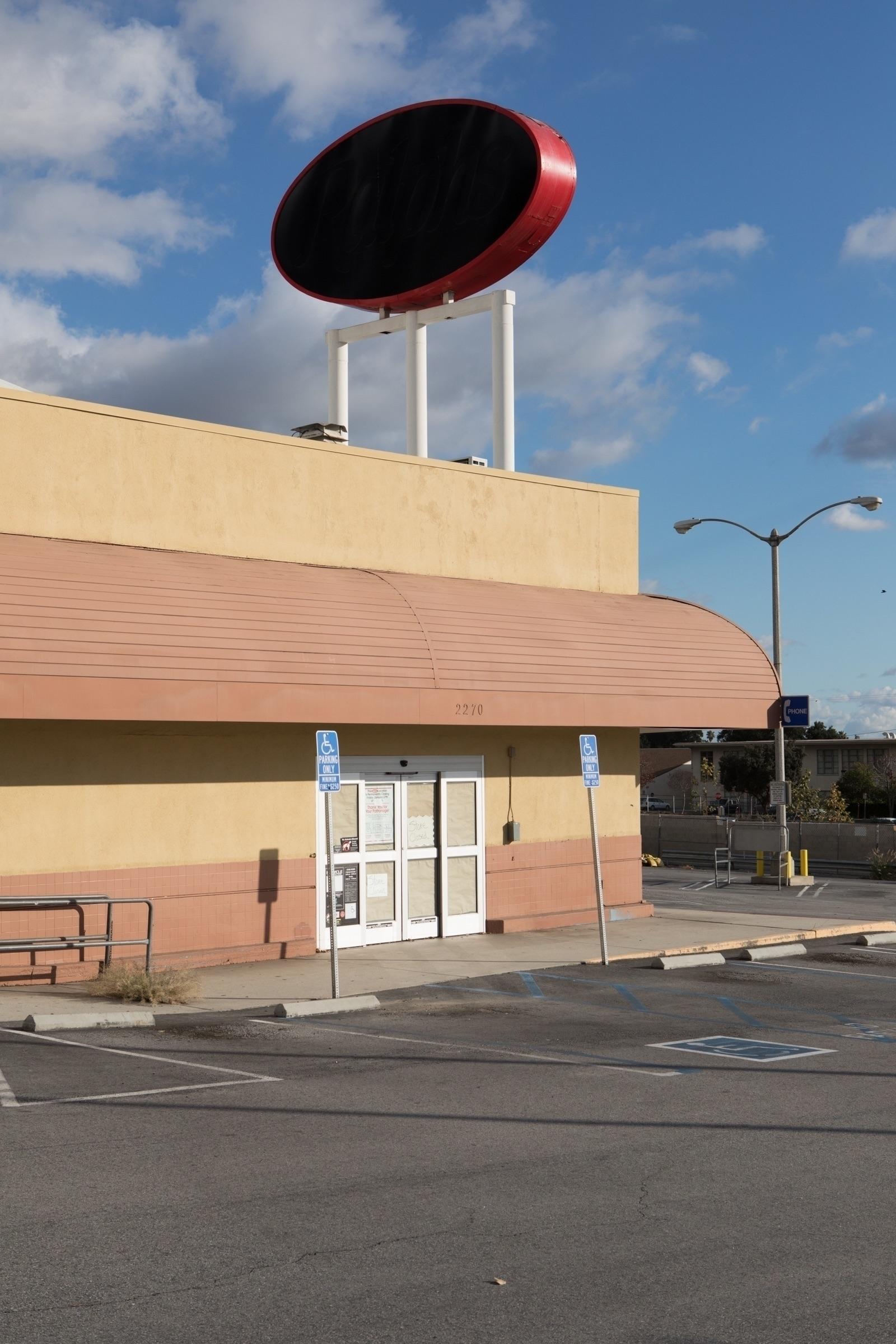 Empty Supermarket, Lake Ave, Al - odouglas | ello