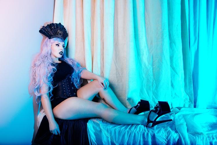 Kristen Photo: Melissa Katherin - melissakatherine | ello
