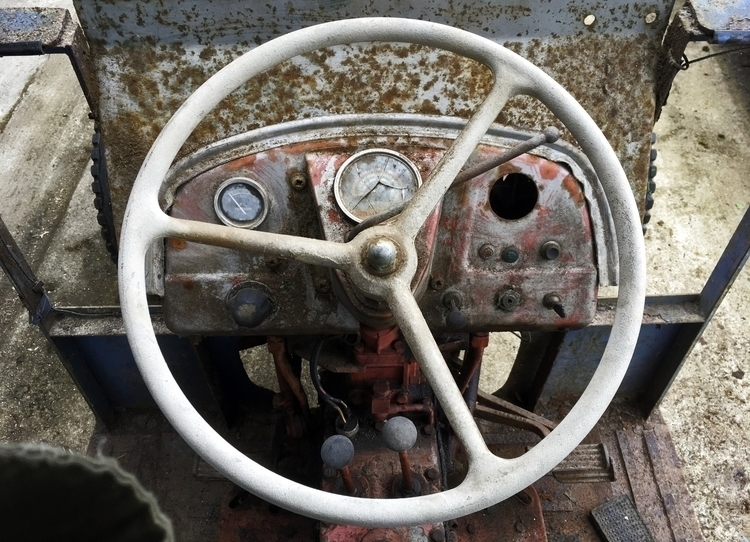 Nuffield 4/25 Tractor late - tractor - phil_levene | ello