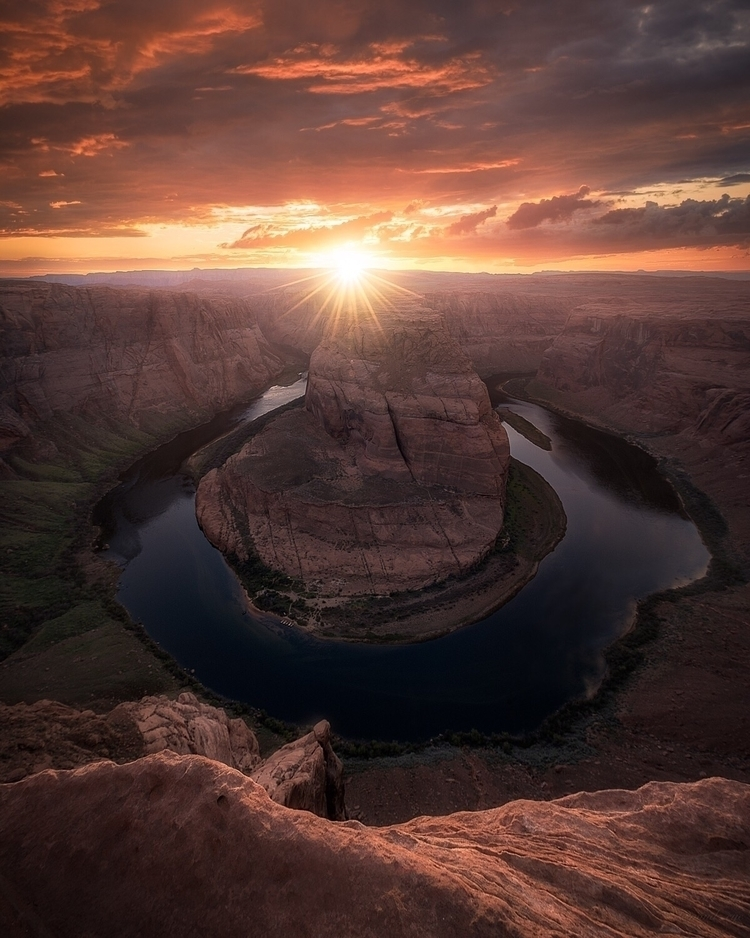 Sunset Horseshoe Bend  - arizona - mindzeye | ello