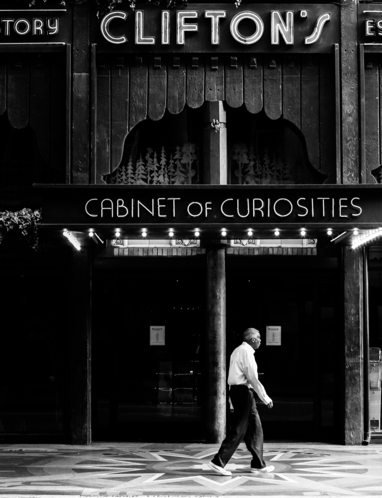 Downtown LA full curiosities - tjorion | ello