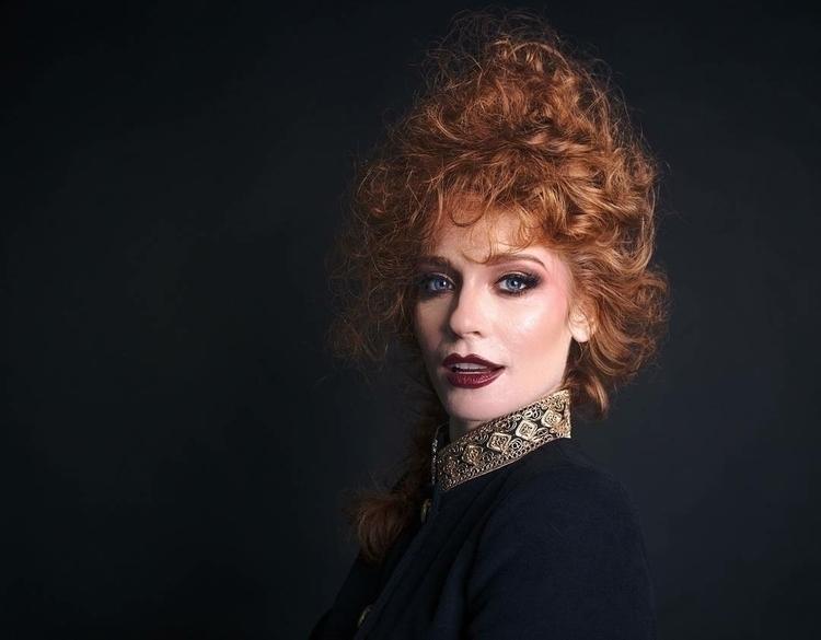 Model: Lindsay time announces p - ityaboi_photo   ello