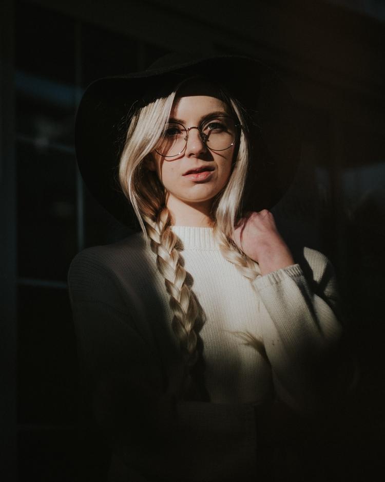 Model: Samantha - portraits, photography - djuansala | ello