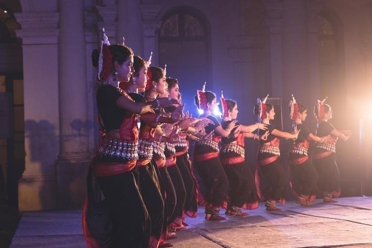 Dancing Girls Dona Ganguly  - creative_architecture - isukantapal | ello