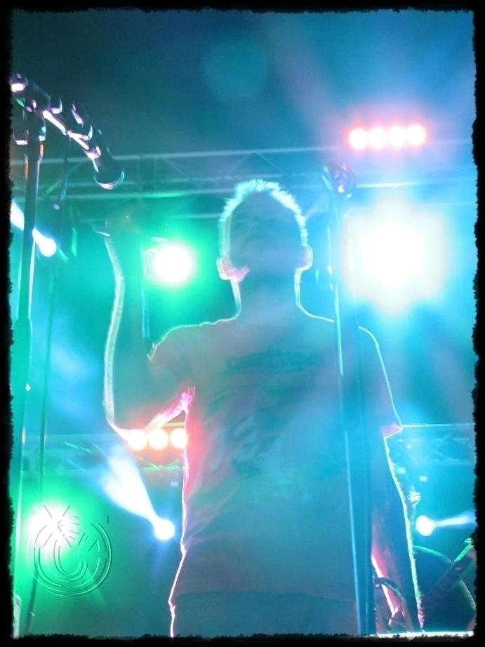 concert 2 LocoMondo - Greek mus - paraxeno | ello