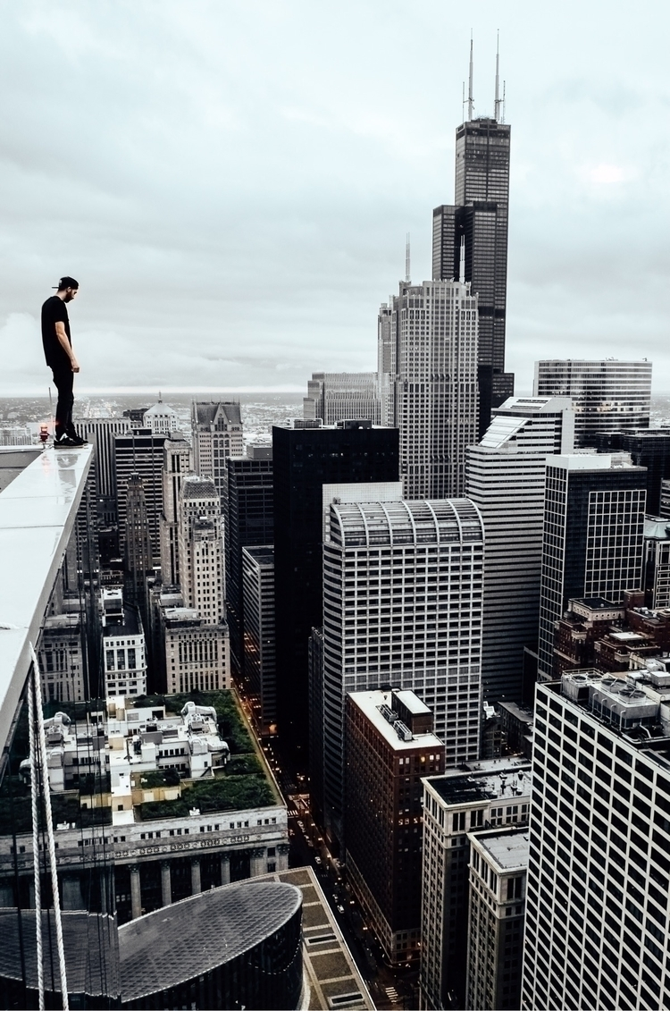day part Chicago skyline. Photo - jsns   ello