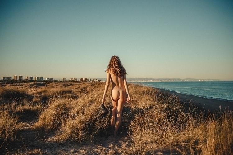 work Martens, loving Sun - model - alfonphotozine | ello