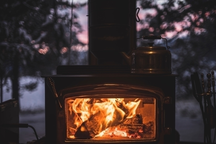 Cozy fire sunset:sunrise_over_m - mitchk | ello