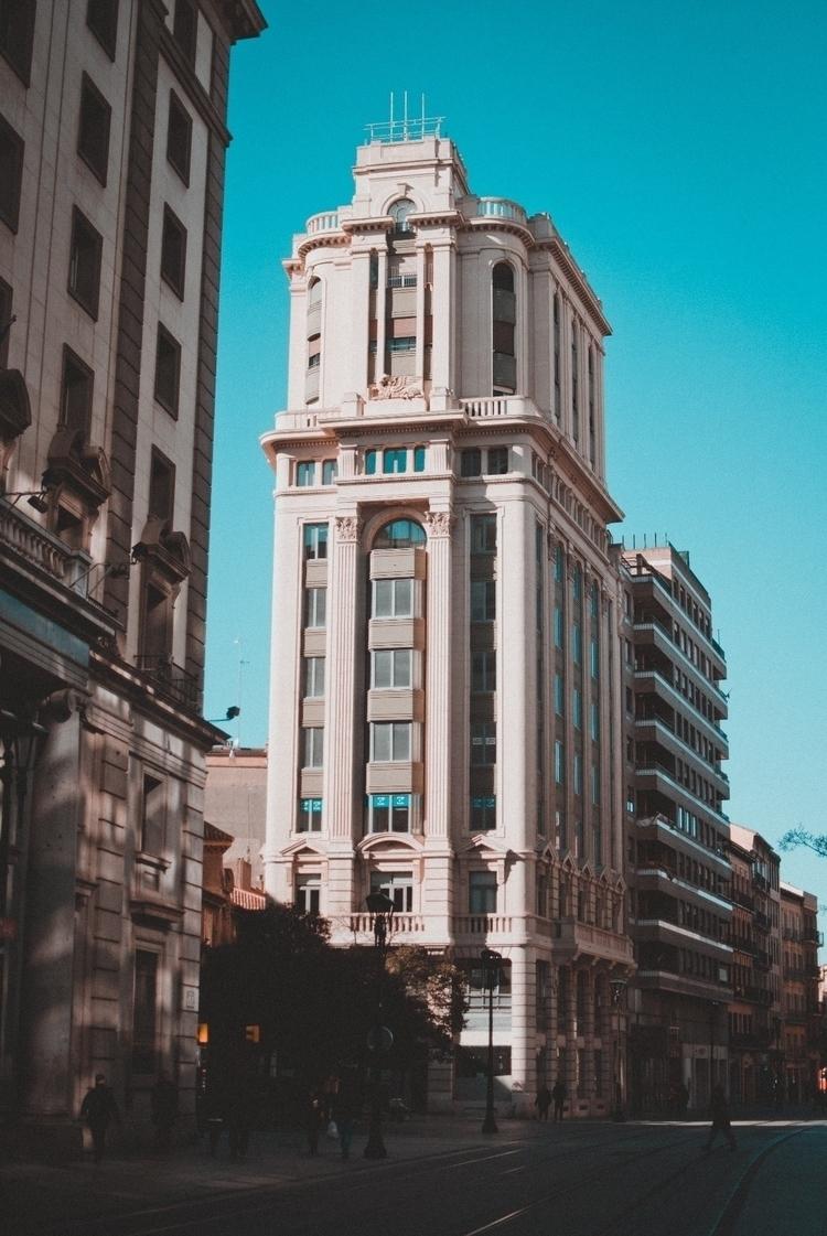 Zaragoza, city, streetphotography - malosphotography | ello