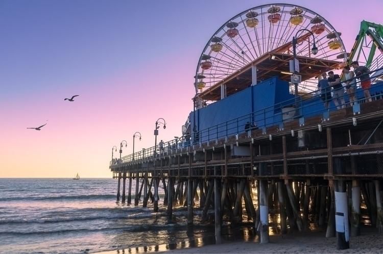 Santa Monica Pier - 29 hours ho - christianhall87 | ello