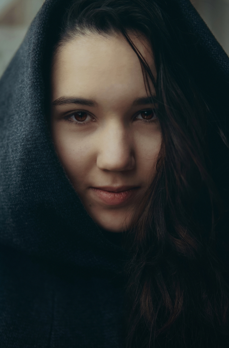 portrait, color, girl, vertical - klaasphoto | ello
