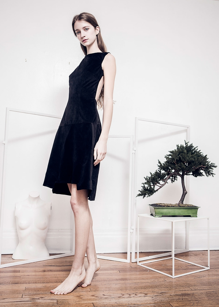 Velvet minimalist dress - fashion - katrinja | ello