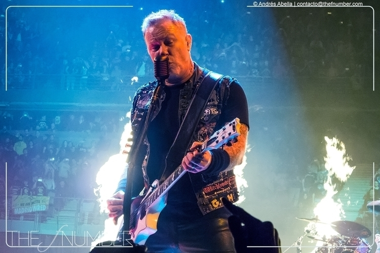 Metallica playing Madrid writte - thefnumber | ello