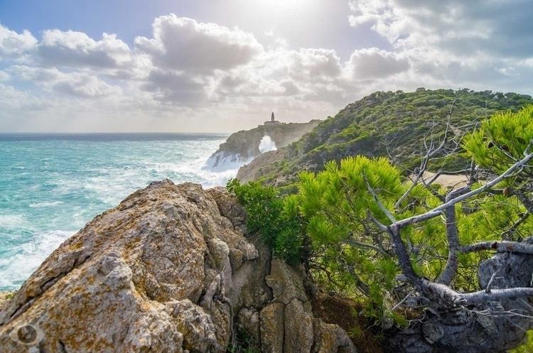 Cala Rajada lighthouse. browsin - pentaxke | ello