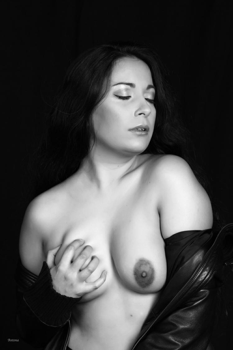 Erotica... Photographer: Antona - siildivina | ello