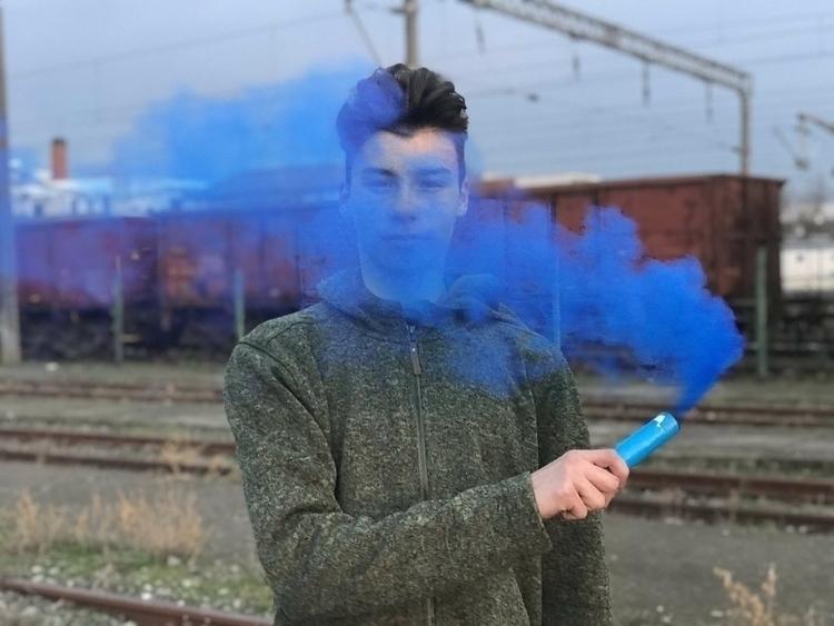 portrait, smoke, music - vladuuu49 | ello