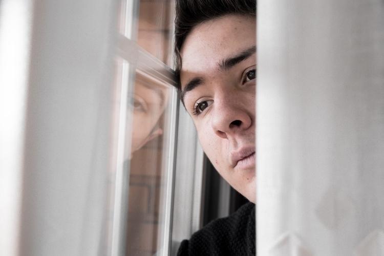 En tu vida hay ventanas pero en - sergiioplaza_ | ello