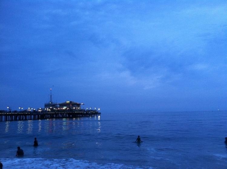 Santa Monica Pier cloudy day |  - mluna23 | ello