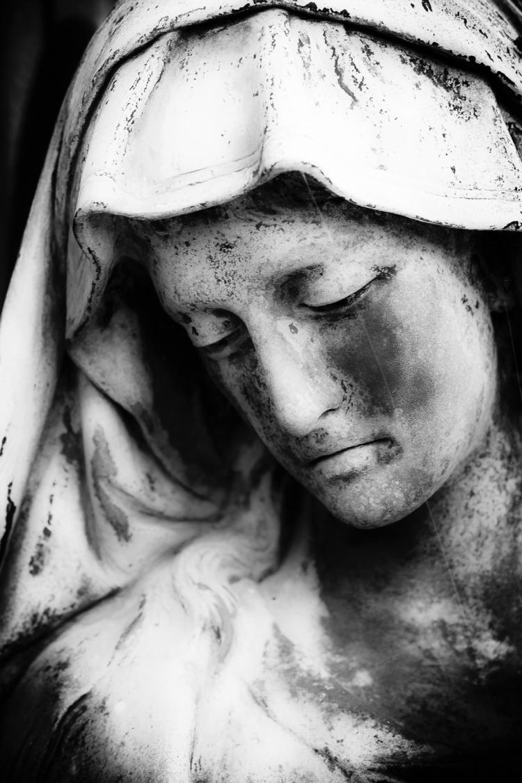 Sad eyed lady lowlands - statue - ericvandael | ello