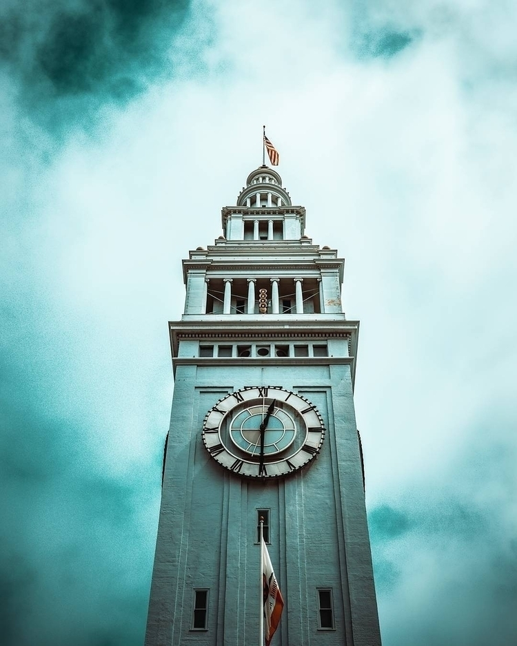 Ferry Building, San Francisco.  - lookingmedia | ello
