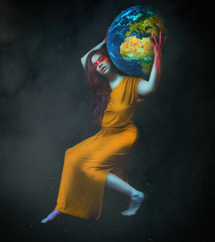 Atlas llevando el mundo / leadi - bibibarcenilla | ello