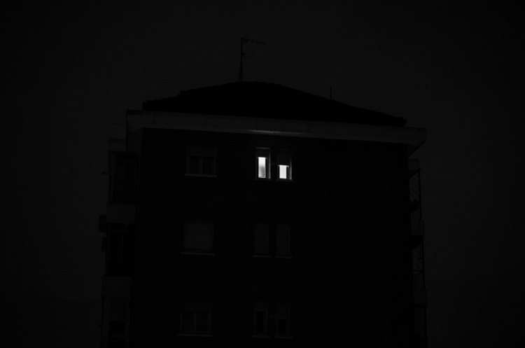 night, madrid, bnw, mistery, window - phomatt | ello