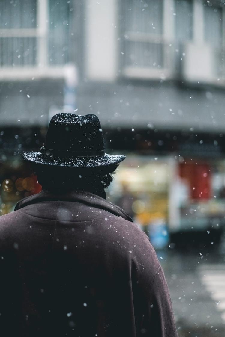 Mystère boule de neige. . Submi - cloudsdealer | ello