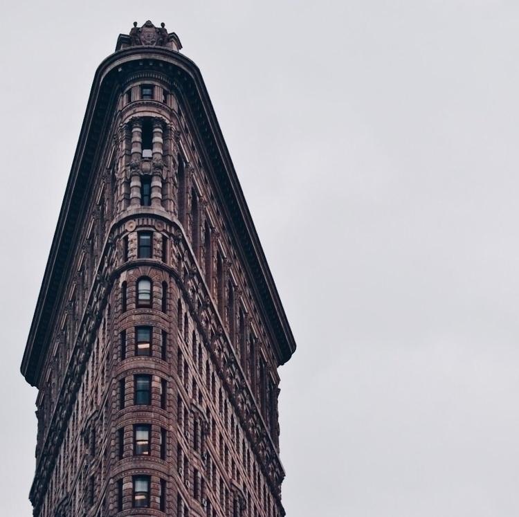 icons - minimal, architecture, flatiron - oldblueshoe | ello