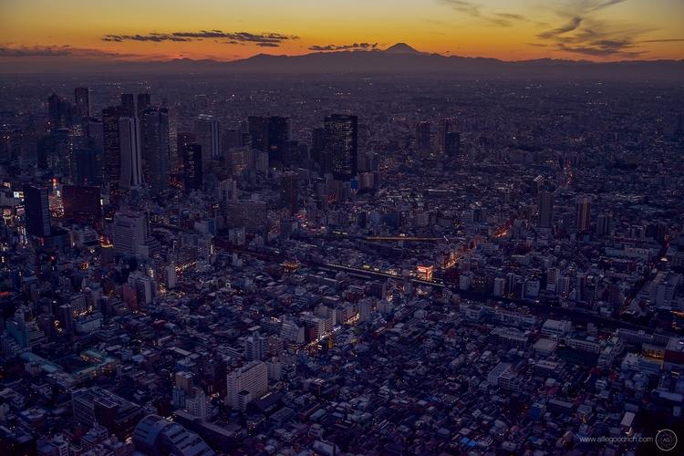 Mount Fuji Tokyo helicopter: sh - alfiegoodrich | ello