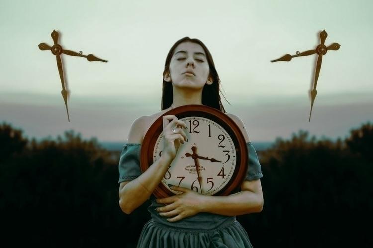 clock, reloj, time, tiempo, surreal - kathychareun | ello