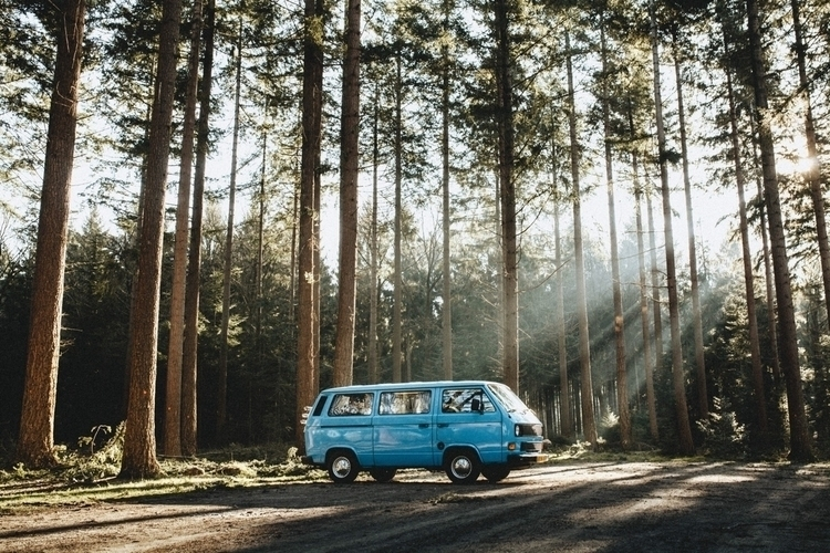 spotlights - vanlife, nature, winter - pablo_caballero_ | ello