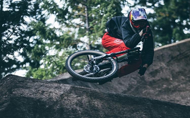 Brandon Semenuk - Inertia - probike | ello