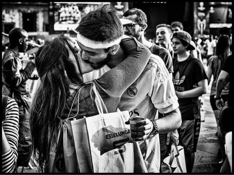 Single Kiss - blackandwhite, street - marcogaia | ello