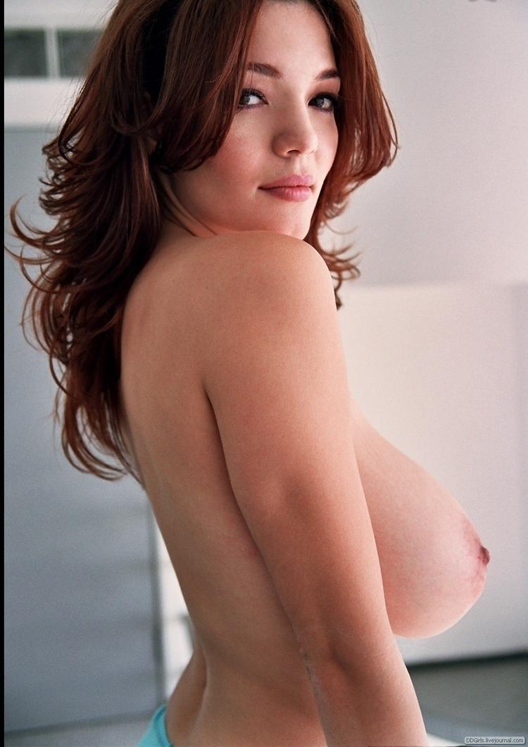 massive, boobs, seminude, milf - blue-light | ello