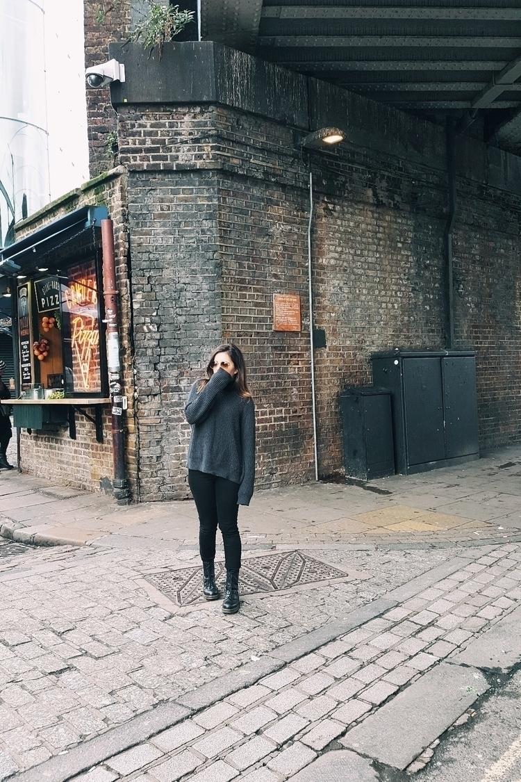 LONDRES. Pasear por sus calles  - rosaliapedrero | ello