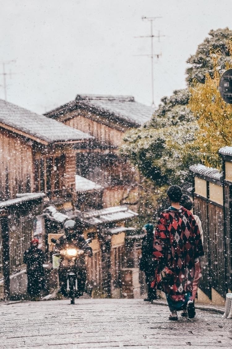 walk edge town - kyoto, japan, canon6d - sennysennny | ello