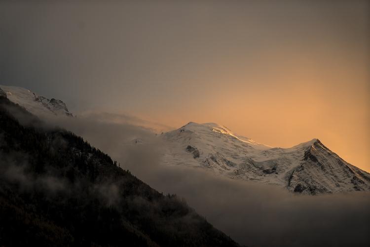 Chamonix Mont-blanc cloud - fan-fan   ello