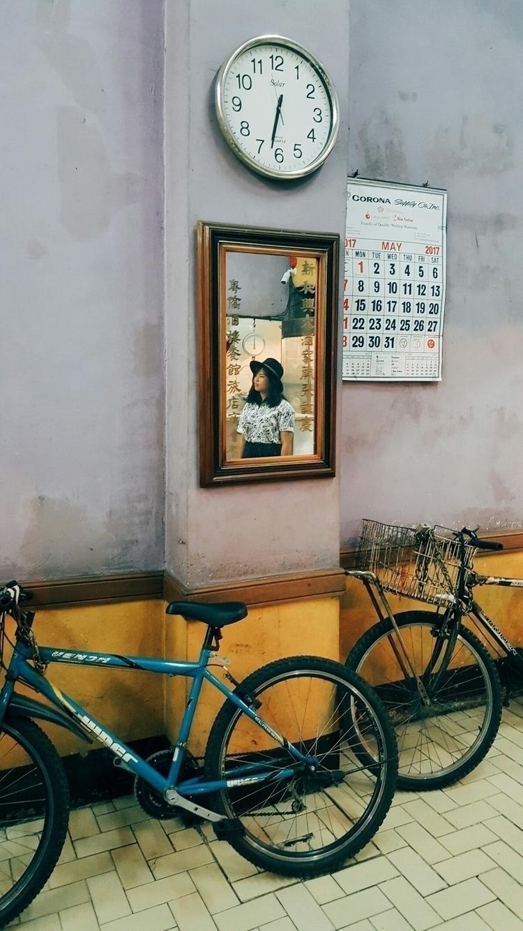 glimpse opportunity - mobilephotography - helloreggie | ello
