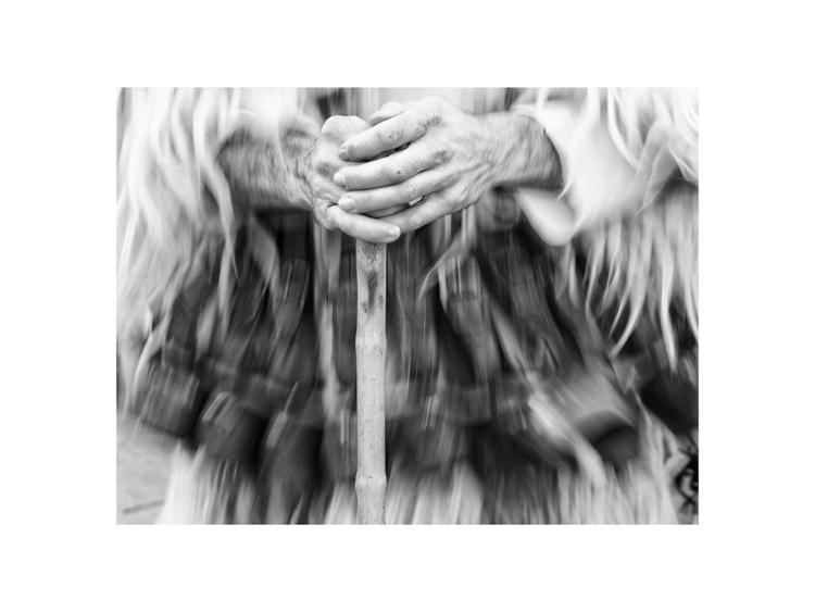 Steady hands - atphotobg | ello