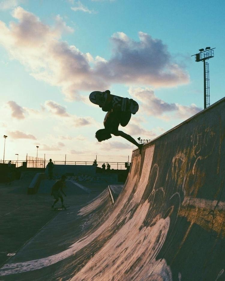 skate, skatepark, skater, sunset - svsogarcia | ello