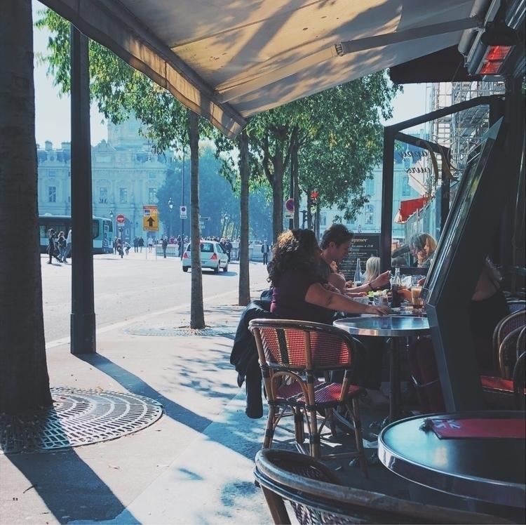 paris, cafe, bistro, streetlife - carzingan | ello