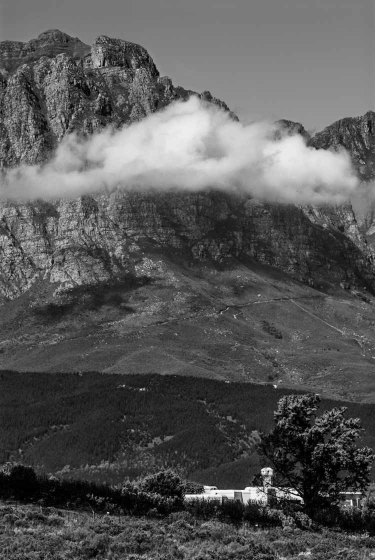 cloud photobombing Town - Cape, SouthAfrica - christofkessemeier | ello