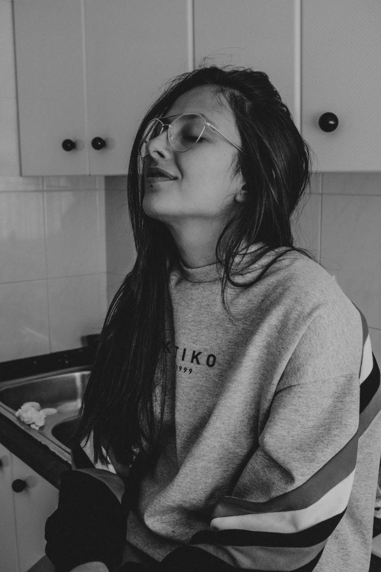 girl, bw, portrait, photography - aleeveegaa27 | ello