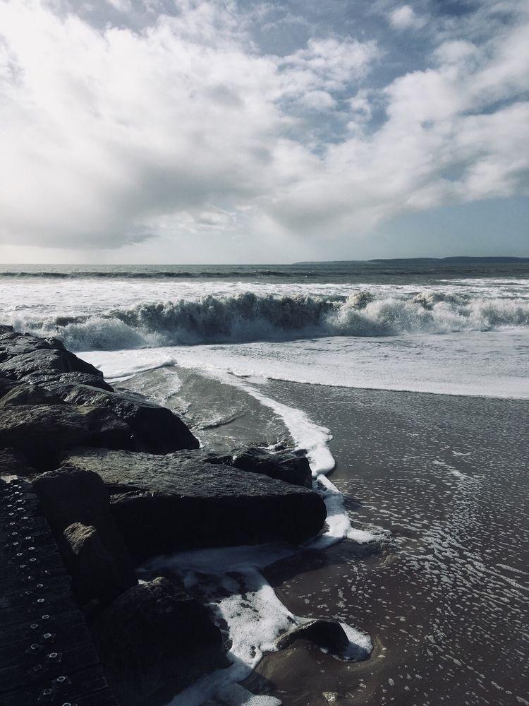 Dramatic shore dump Hengistbury - oceanromeo   ello