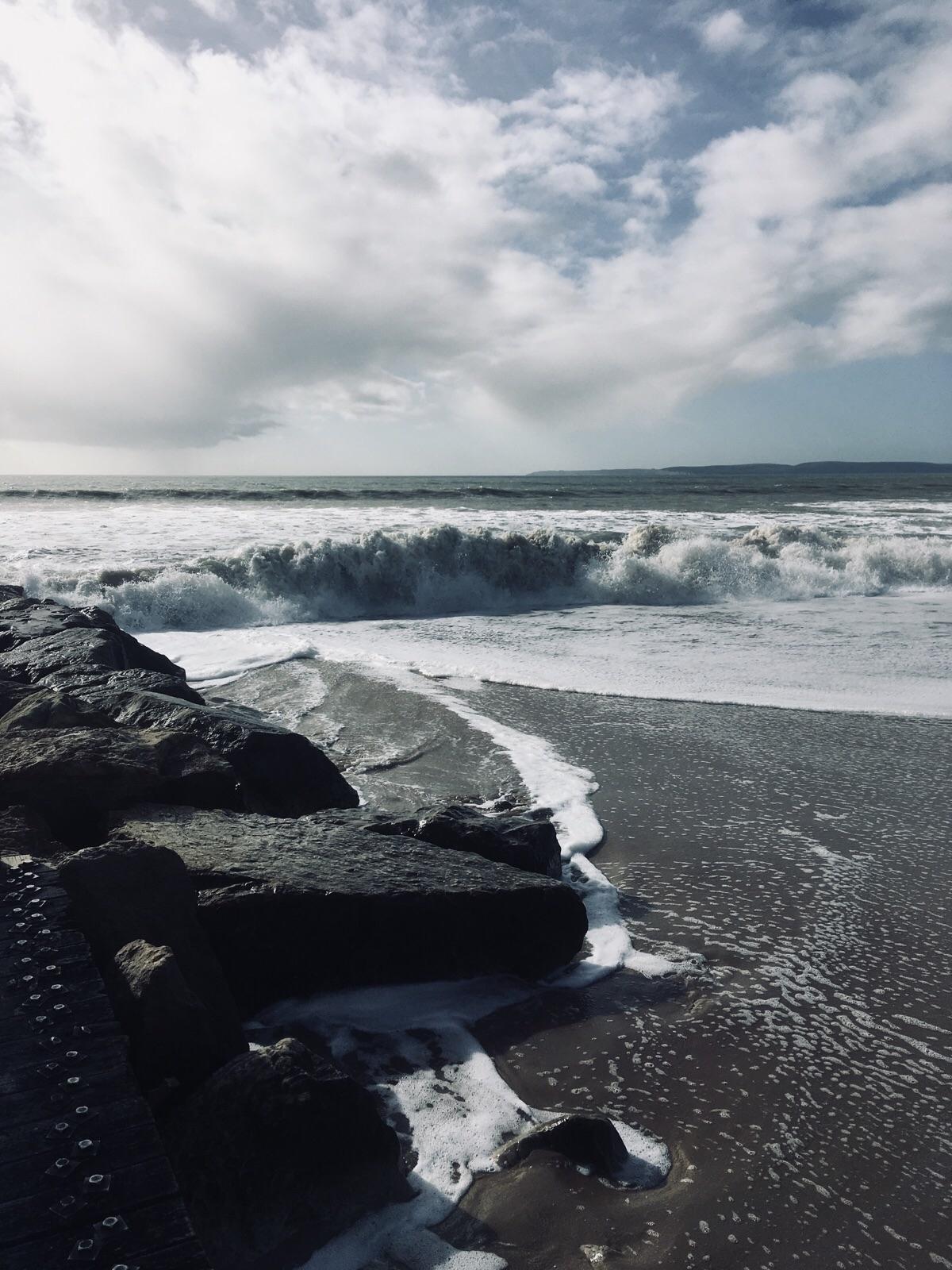 Dramatic shore dump Hengistbury - oceanromeo | ello