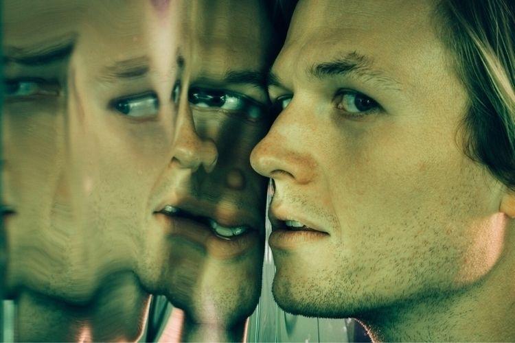 weird, face, dude, reflection - hoxidation | ello