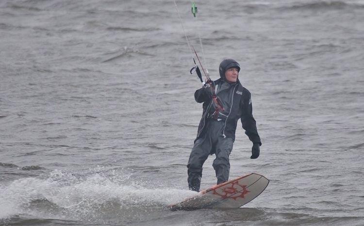 good grab session cold - kitesurfing - oceanromeo | ello